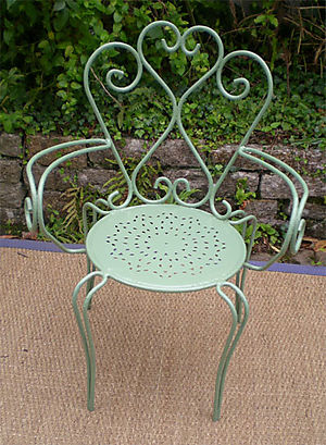 Ancien_salon_jardin_fer_fauteuil