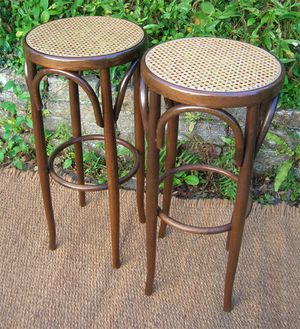 Tabourets_bar_thonet