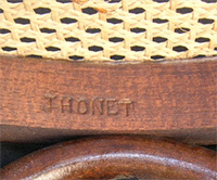 Tabourets_bar_thonet_signature_bois