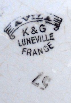 Faience_luneville_jardiniere_signature