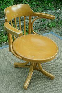 Thonet_fauteuil_americain_hetre