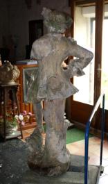 Gossin_terre_cuite_statue
