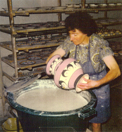 St_jean-poterie_faience_ouvriere