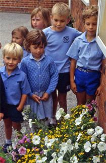 Enfants-jardiniers